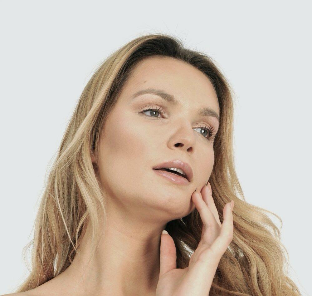 Co najskuteczniej działa na poprawę owalu twarzy? Jak pozbyć się tzw. chomików?